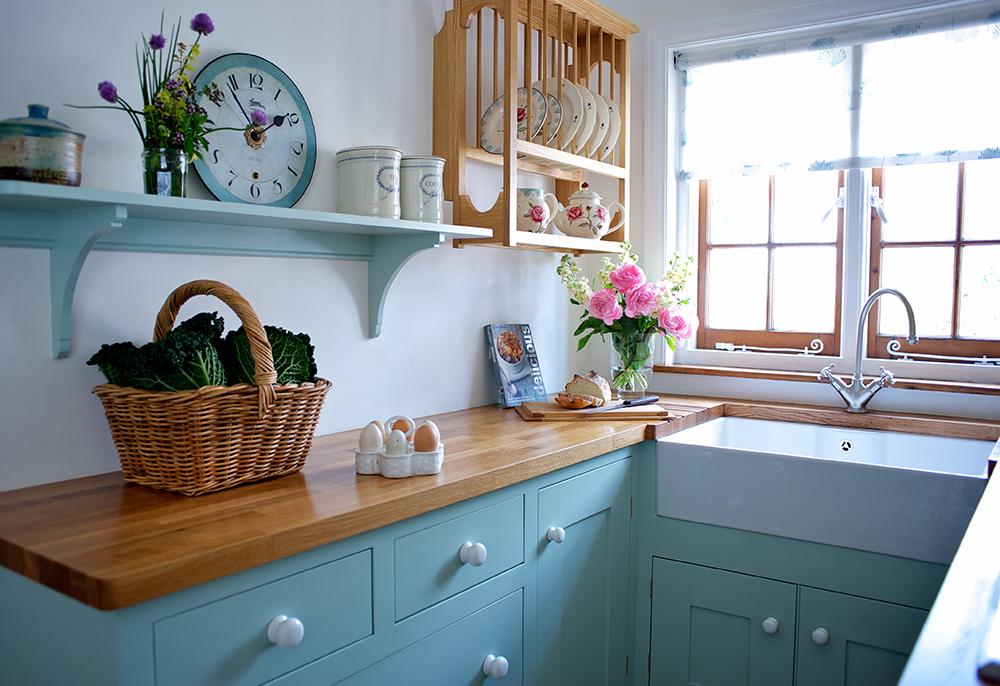 A small efficient Barnes kitchen