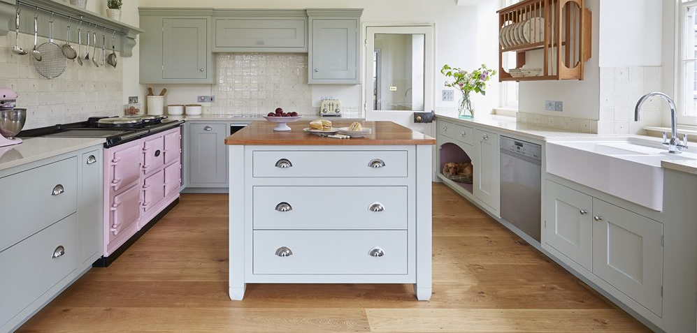 Traditional tiled splashbacks make this Barnes kitchen stand out
